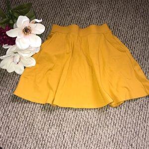 ☀️ Forever21 Mustard Flare Skirt ☀️